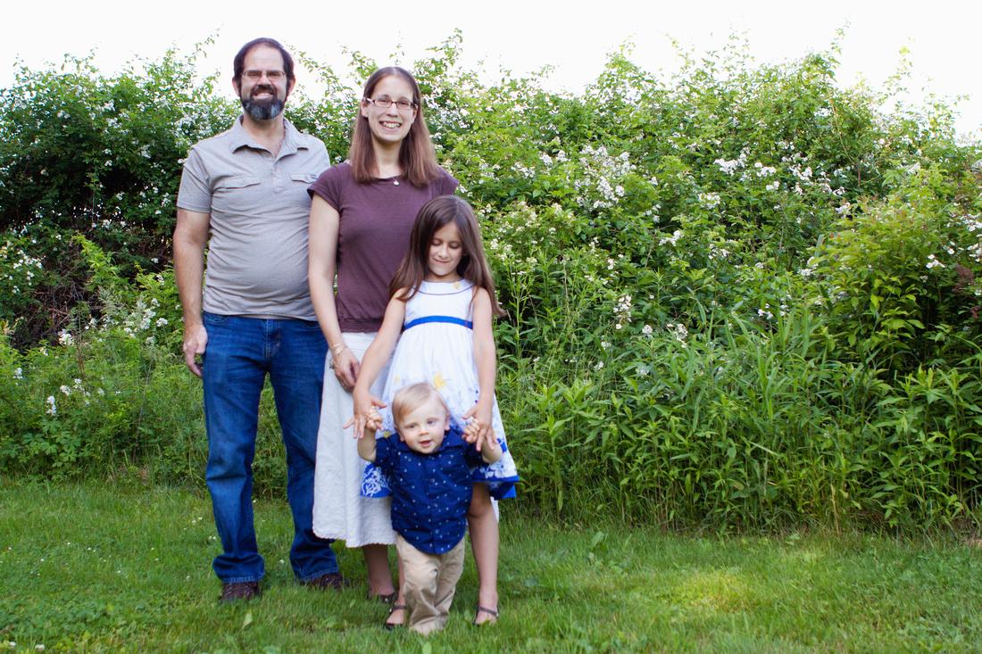 Charlton, MA Family Portrait Photographer