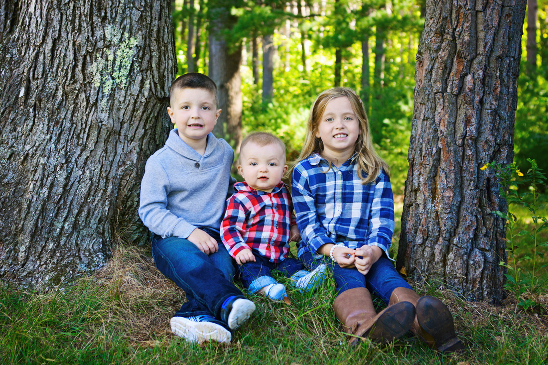 Large Extended Family Portraits